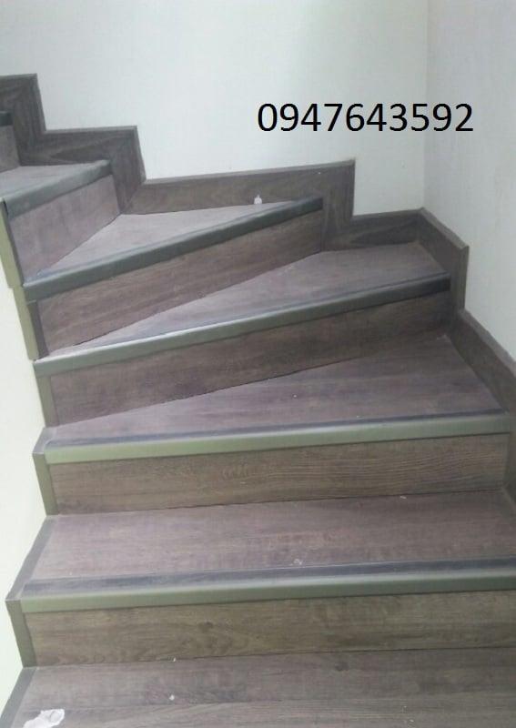 Thi công nẹp chống trơn cầu thang