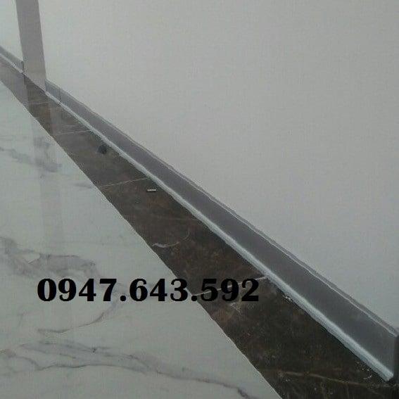 Len chân tường DCP60
