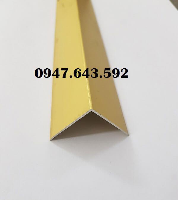 Nẹp ốp góc vuông chất liệu hợp kim nhôm